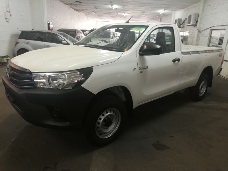 TOYOTA WHITE HILUX REVO SINGLE CAB
