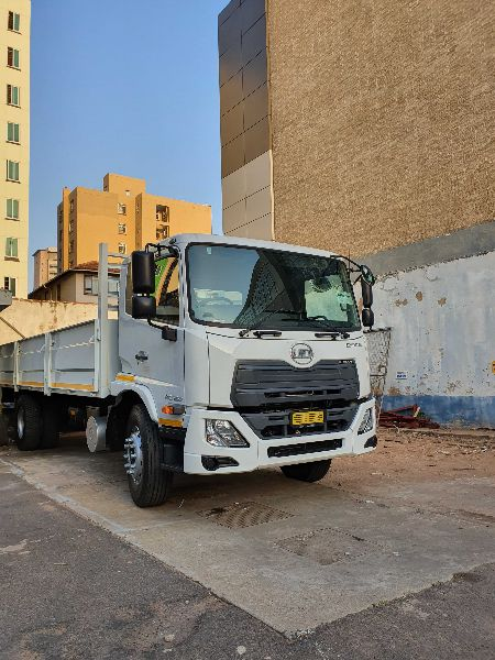 UD WHITE CRONER TRUCK PKE 250-F/C-APS H30
